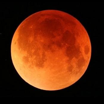 皆既月食とは、この色??.png